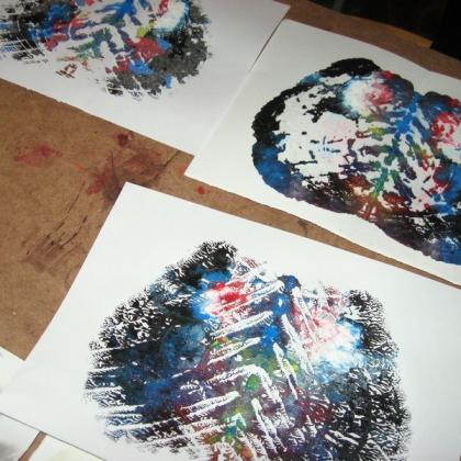 práce s výtvarnou náhodou v kurzu základy kreslení