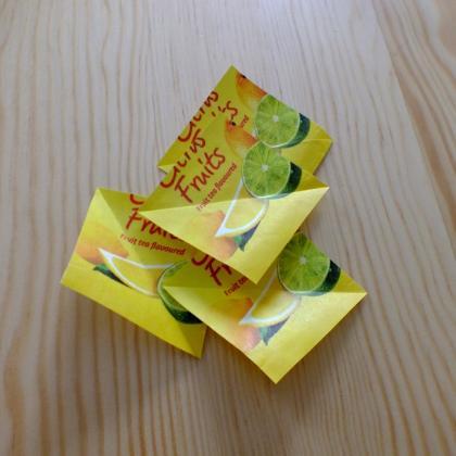 čtverečky z čajových sáčků